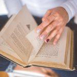 5 store romaner, der vil underholde dig hele påsken