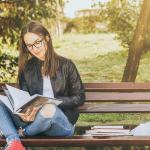 Kom i forårsstemning med disse fem YA-bøger