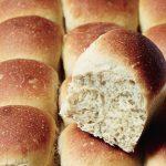 Få opskriften på de lækreste varme hveder til torsdag aften før Storebededag