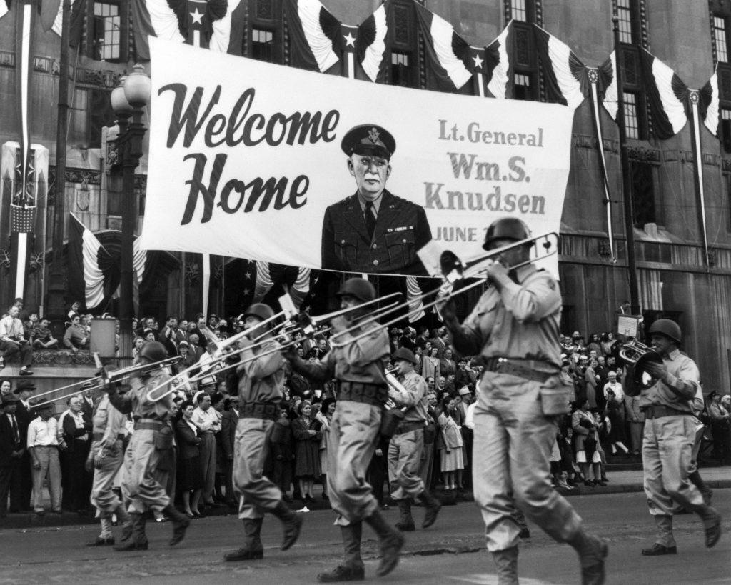 Parade i Detroit efter krigen - One dollar man