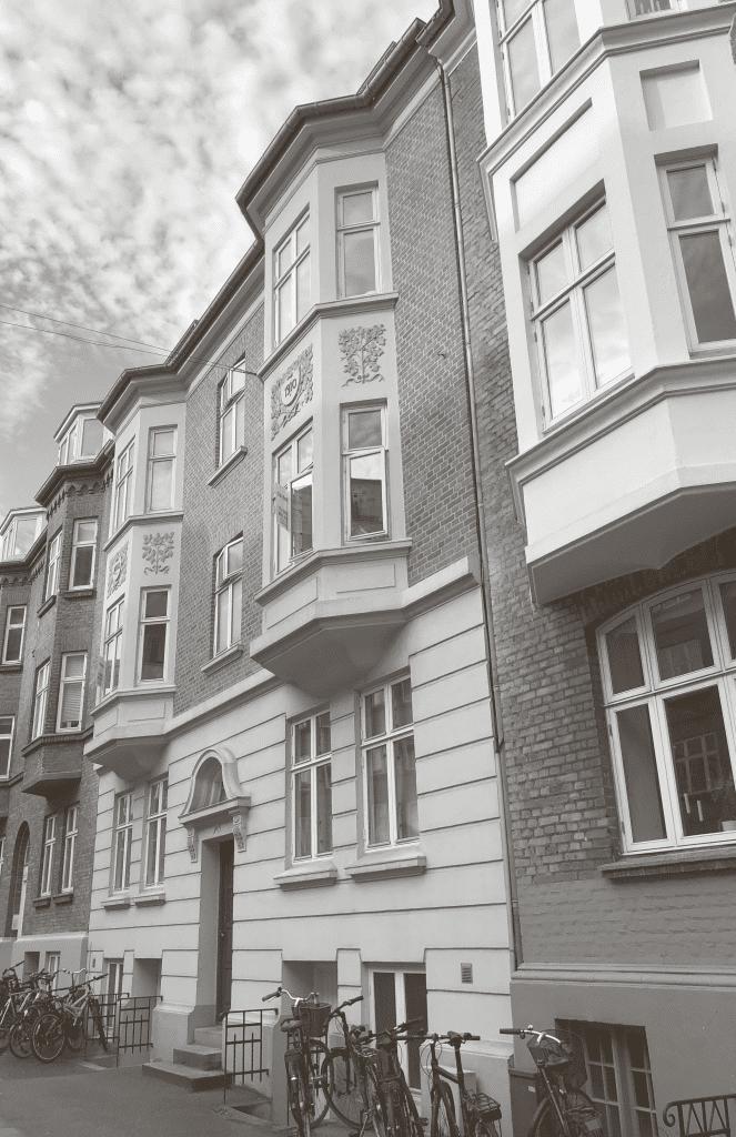 Sindbergs fødehjem på Schleppegrellsgade nr. 19 i Aarhus. Bygningen var ved hans fødsel i 1911 kun et år gammel.