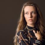 """Sarah Engell har 10-årsjubilæum: """"Man skal ikke være bange for at skrive noget møg"""""""