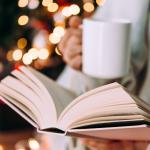 Julen har bragt velsignet bog –  skriv ALL. THE. FEELS. på ønskesedlen