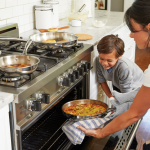 Tag børnene med i køkkenet: Inspiration & opskrift på doughnutmuffins
