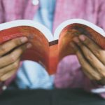 5 spændende paperback krimier du kan tage med dig over alt.