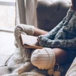 Glem gråvejrskulden og brug din vinterferie på disse YA-bøger
