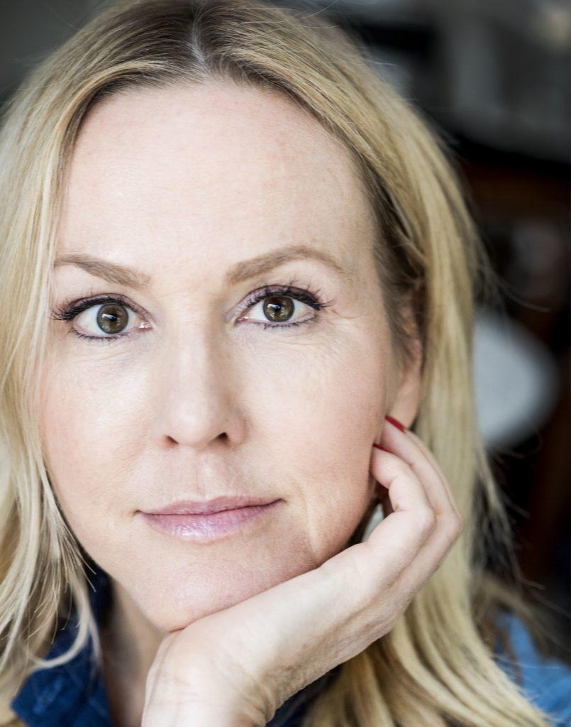 Camilla Grebe, Skyggejægeren, svensk krimi,
