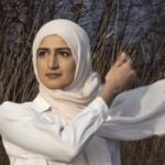 Oprør er også for pæne piger. Naiha Khiljee debuterer med digtsamlingen Kære søster