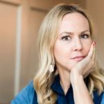 Camilla Grebe om Skyggejægeren: Man frygtede, at kvindelige betjente ville få mænd til at køre i grøften