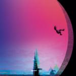 Der er fart på i Sarah Engells nye YA-roman — tyvstart din læsning her!