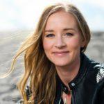 Stina Jackson: De steder, vi vokser op, lever i os