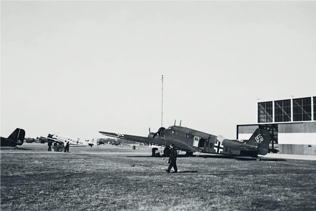 Flyvepladsen ved Aalborg var af central strategisk betydning for værnemagten.