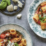 Grøn mad på 30 minutter: Drøm dig sydpå med Louisa Lorangs smagfulde ret Pasta ala Norma